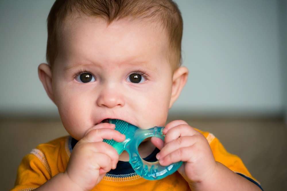 8 Signs that Your Baby May Be Teething